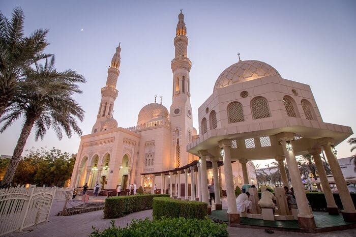 Jumeriah mosque in evening