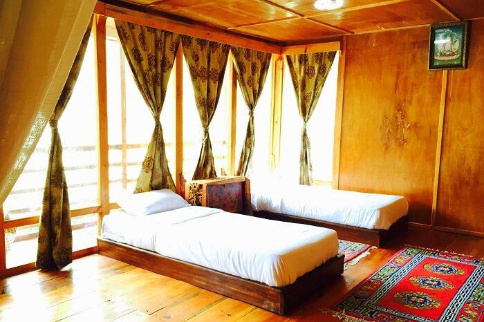 Dharma Lodge