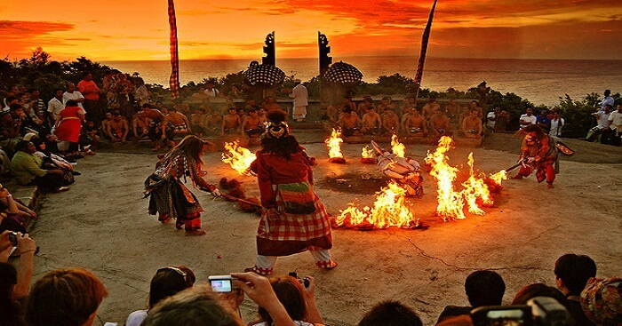 Kecak dance in uluwatu temple