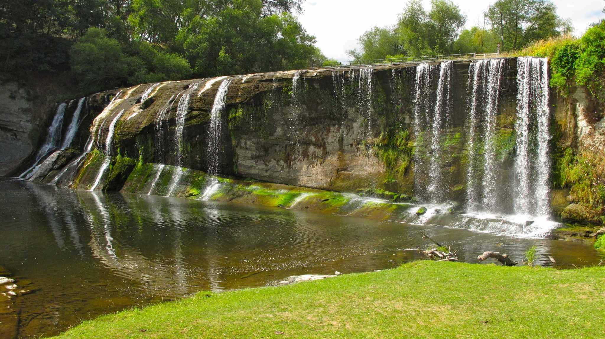 beautiful Rere Falls