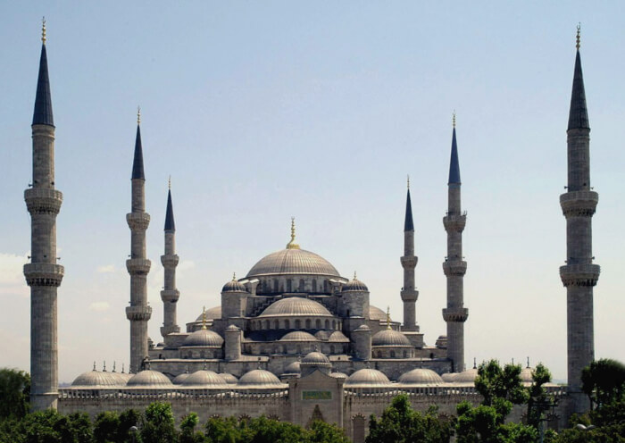 oldest structures with six minarets
