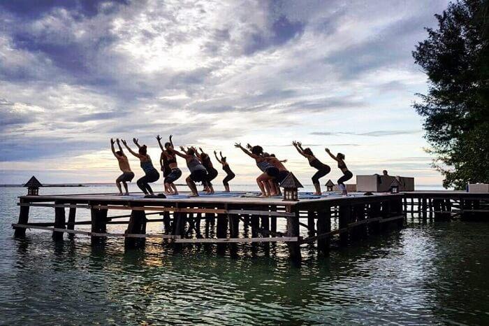Yoga in Pulau Tengah