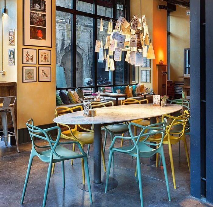 dem karakoy cafe
