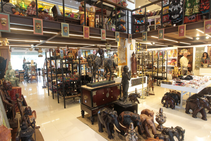 highlights native retailers selling handicrafts
