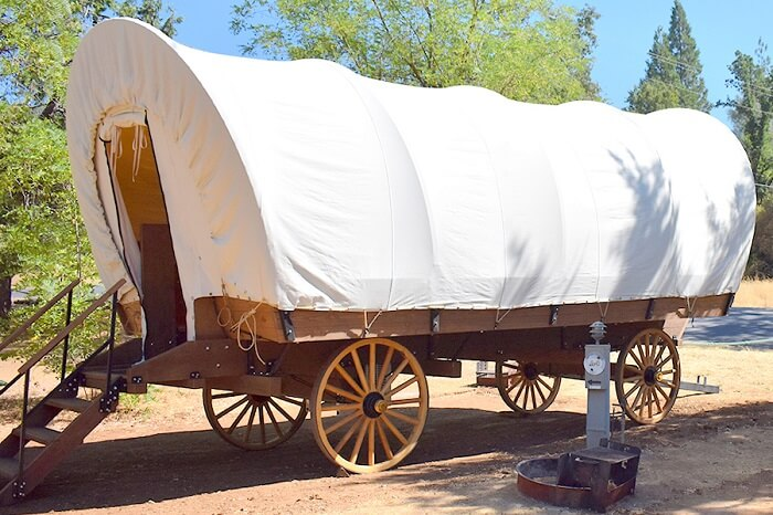 glamping wagon in yosemite pines resort