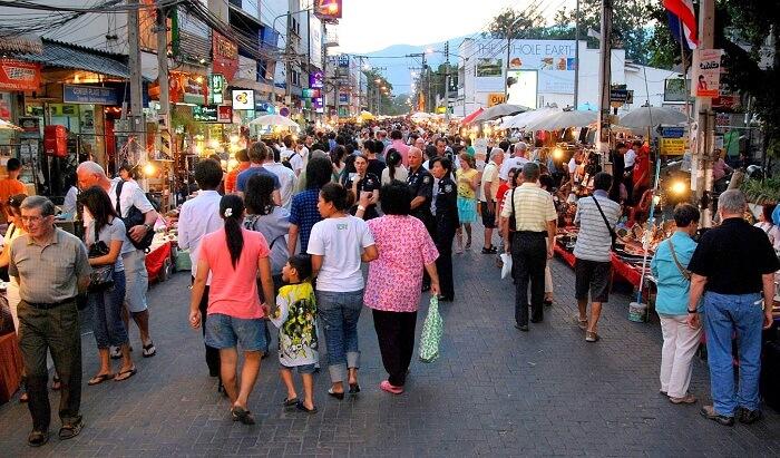 walking street in Pai