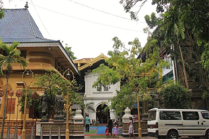 About Gangaramaya Temple
