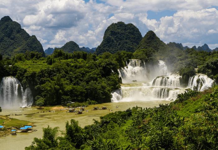 Waterfall in Hanoi