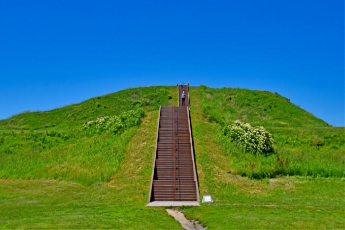 Cahokia Mounds State Heritage Site