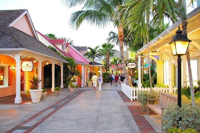 Shopping in Bahamas