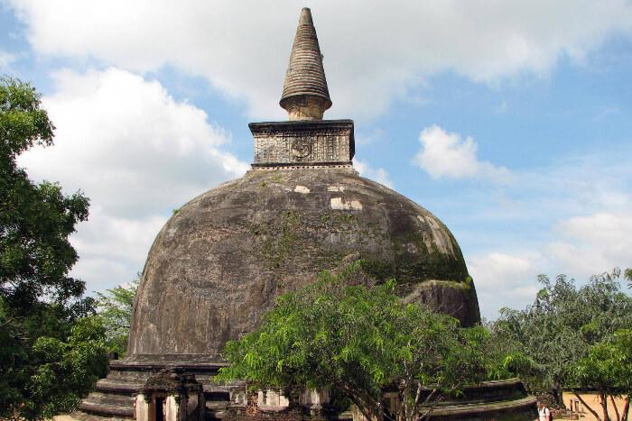 Dagaba Kiri Vihara in Polonnaruwa