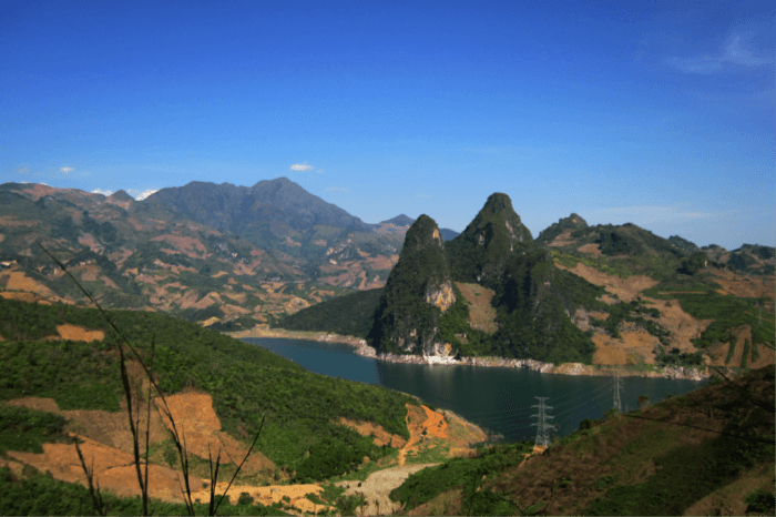 Experience the beauty of Moc Chau Plateau
