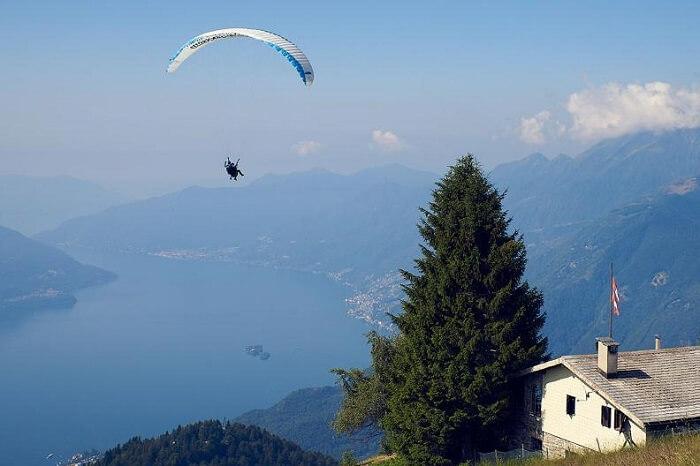 Gandria paragliding