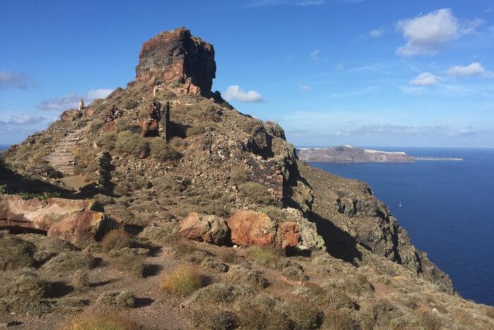 Hike to Skaros Rock