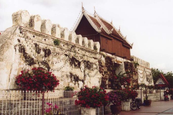 Khorat City Gates