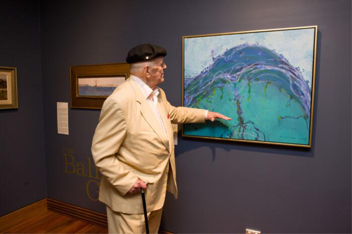 visit the free art galleries