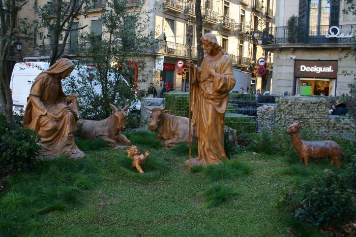 Observe the El Pessebre de Nadal at Placa Sant Jaume