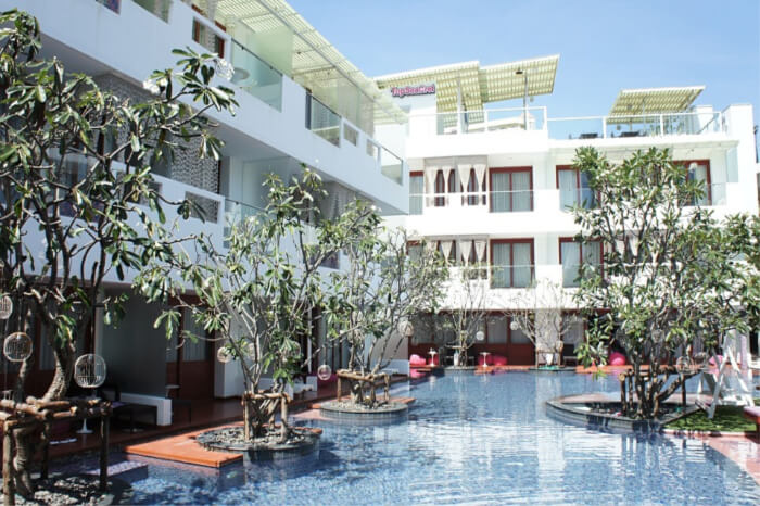 Places to Stay Near Wat Rong Khun