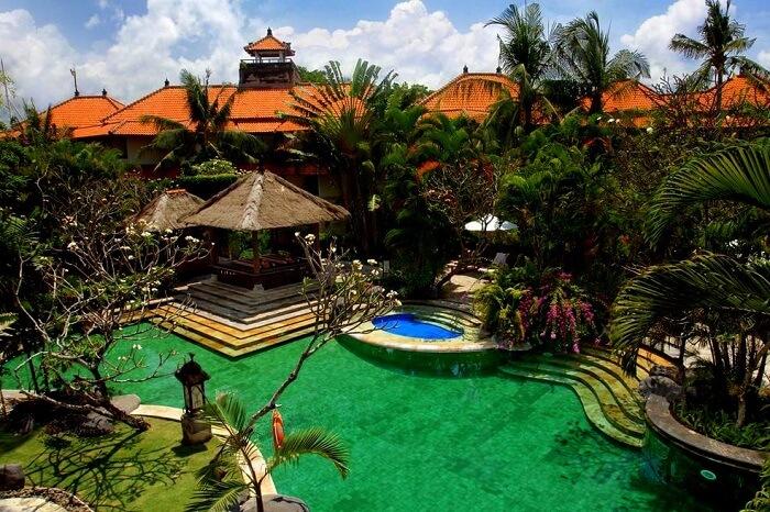 Royal Beach Hotel Bali