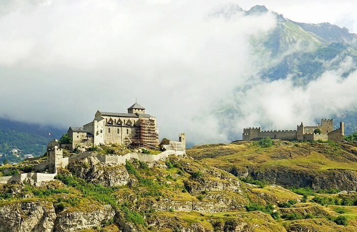 10 Magnificent Castles Of Switzerland That Will Make You Feel Like A Time Traveler