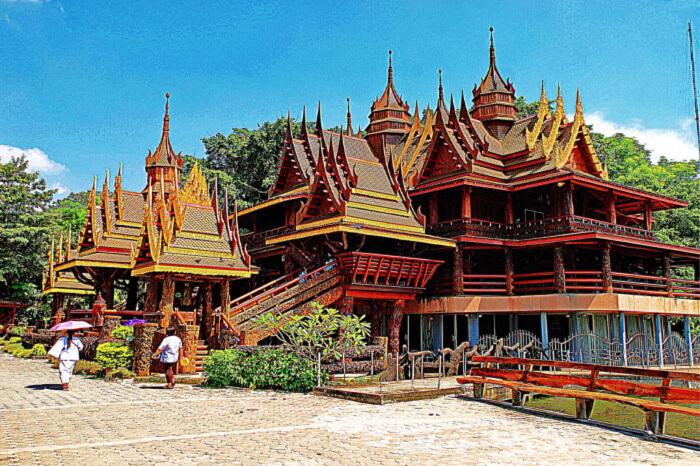 Wat Sangkhathan Get spiritual