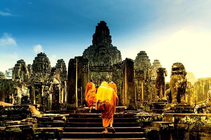 angkor wat monks