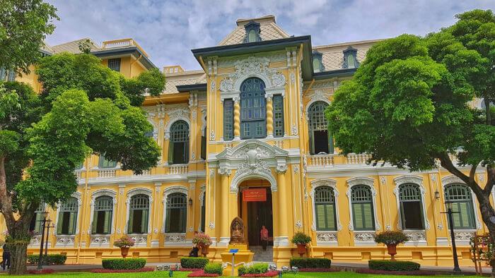 Bang Khun Prom Palace in Bangkok