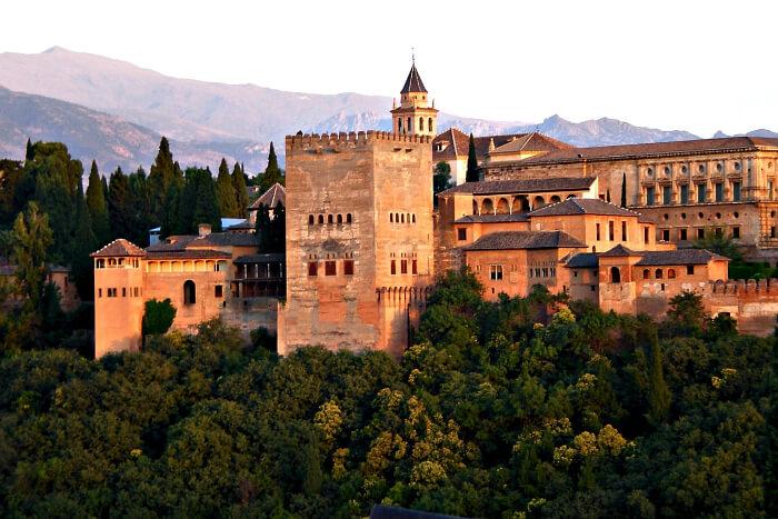 Explore Alhambra