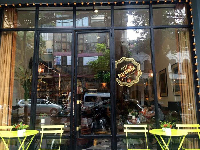 Explore the restaurants, cafés and shops