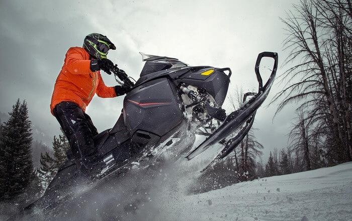 Snow motor ride