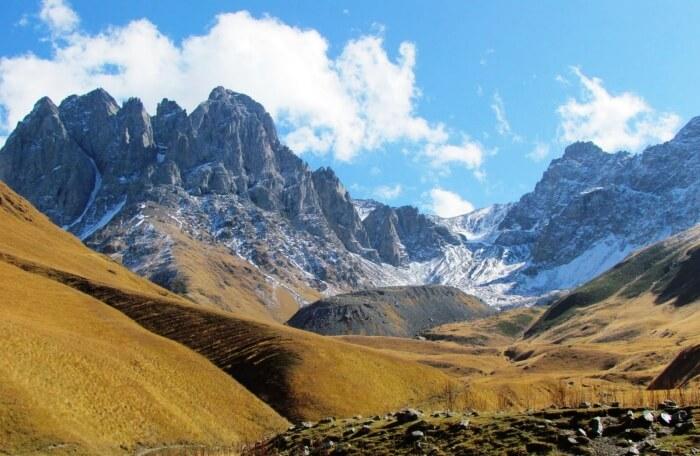 Hiking Through The Chaukhi Pass