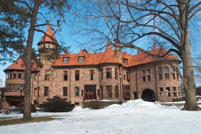 Iviswold Castle