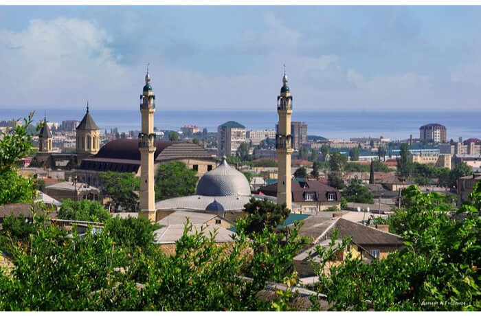 mosque is located in Derbent