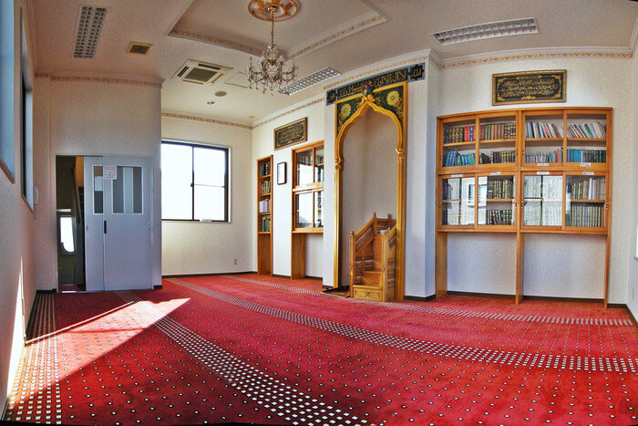 inside view of Nagoya Mosque