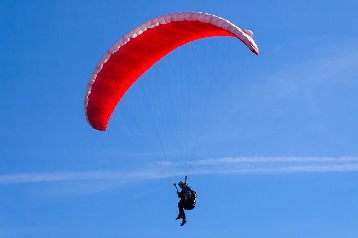 paragliding activity