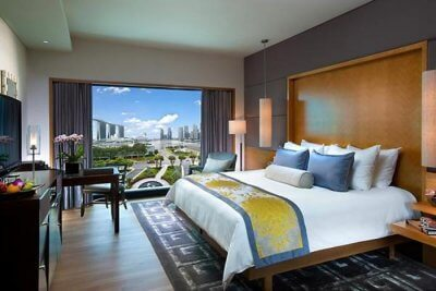 amazing hotels near the airport