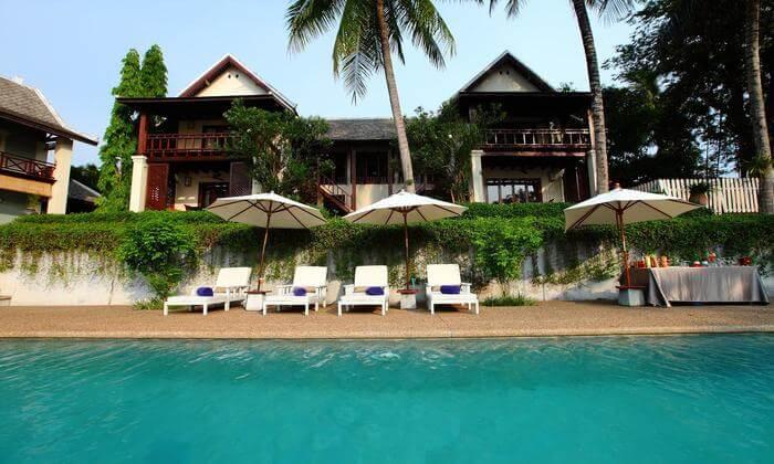 Swimming pool in villa