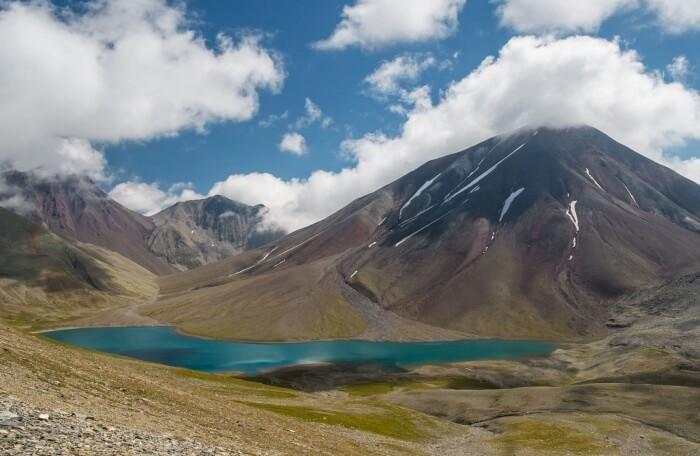 Trekking On The Keli Plateau