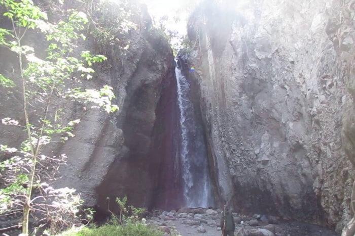Tululusia Waterfall