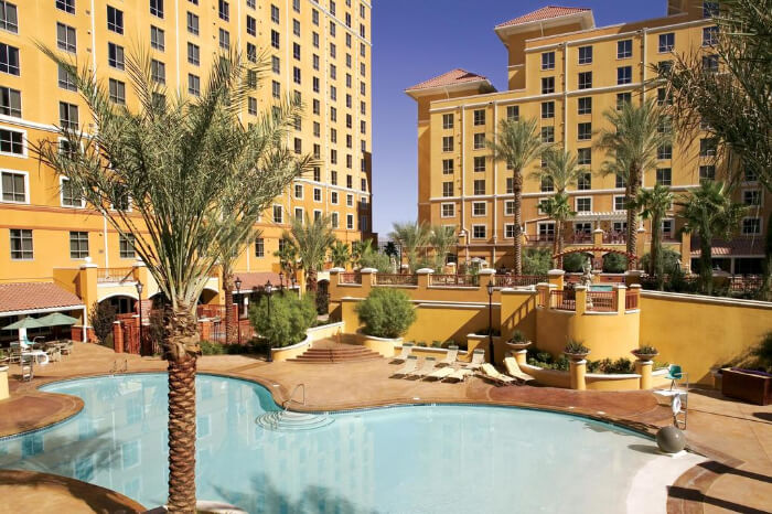 Wyndham Desert Grand Resort in Las vegas