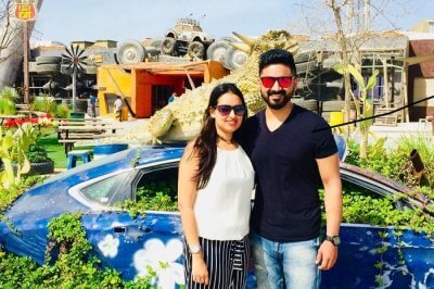 abhinav romantic trip to dubai