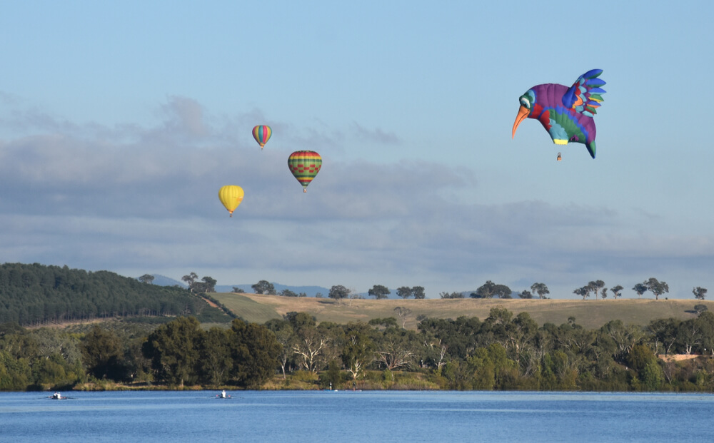 hot air balloon in canberra