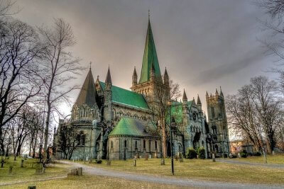 norway churches cover img