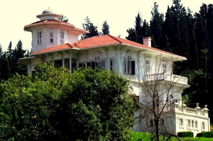 Cemil Molla Mansion