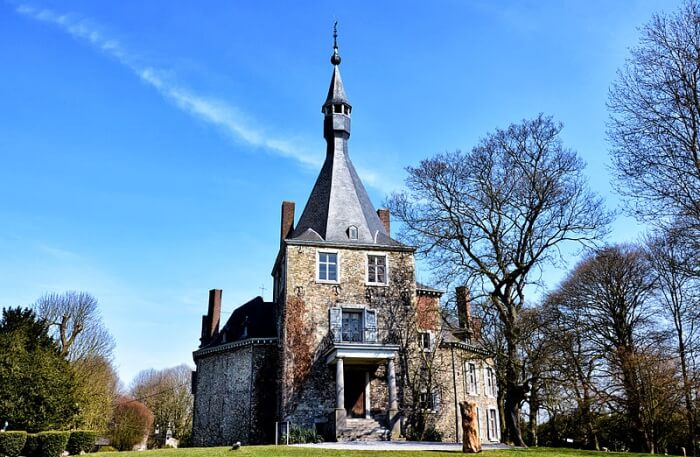 Château De Waroux