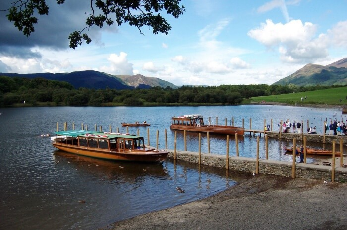 Cruise Down the Derwent River