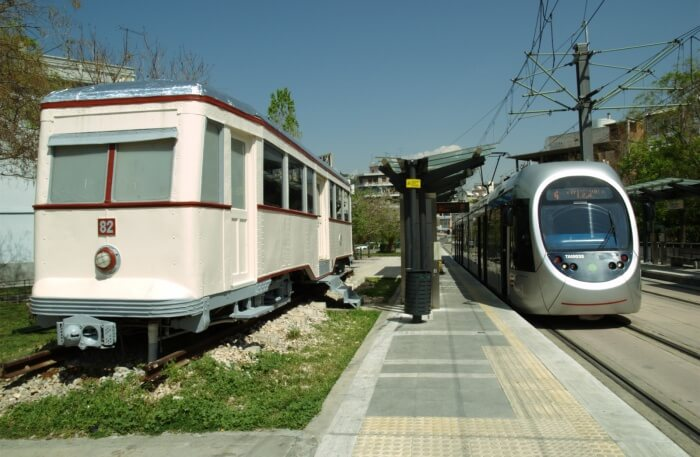 Jump to Glyfada by the tram