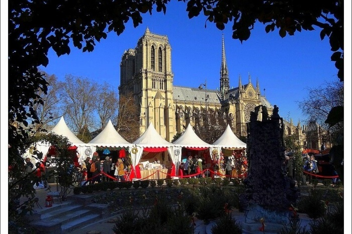 Notre-Dame Christmas Markets