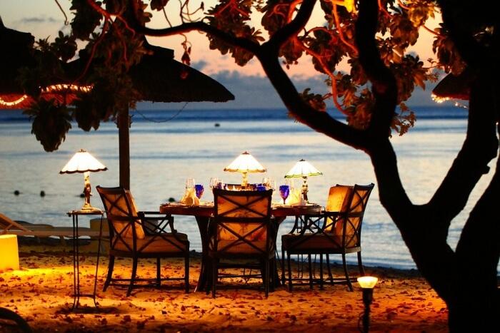 Restaurants and Hotels At Cua Dai Beach