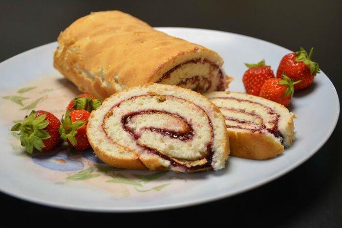 Jordbærroulade Delights Hindbærroulade Roulade Cake